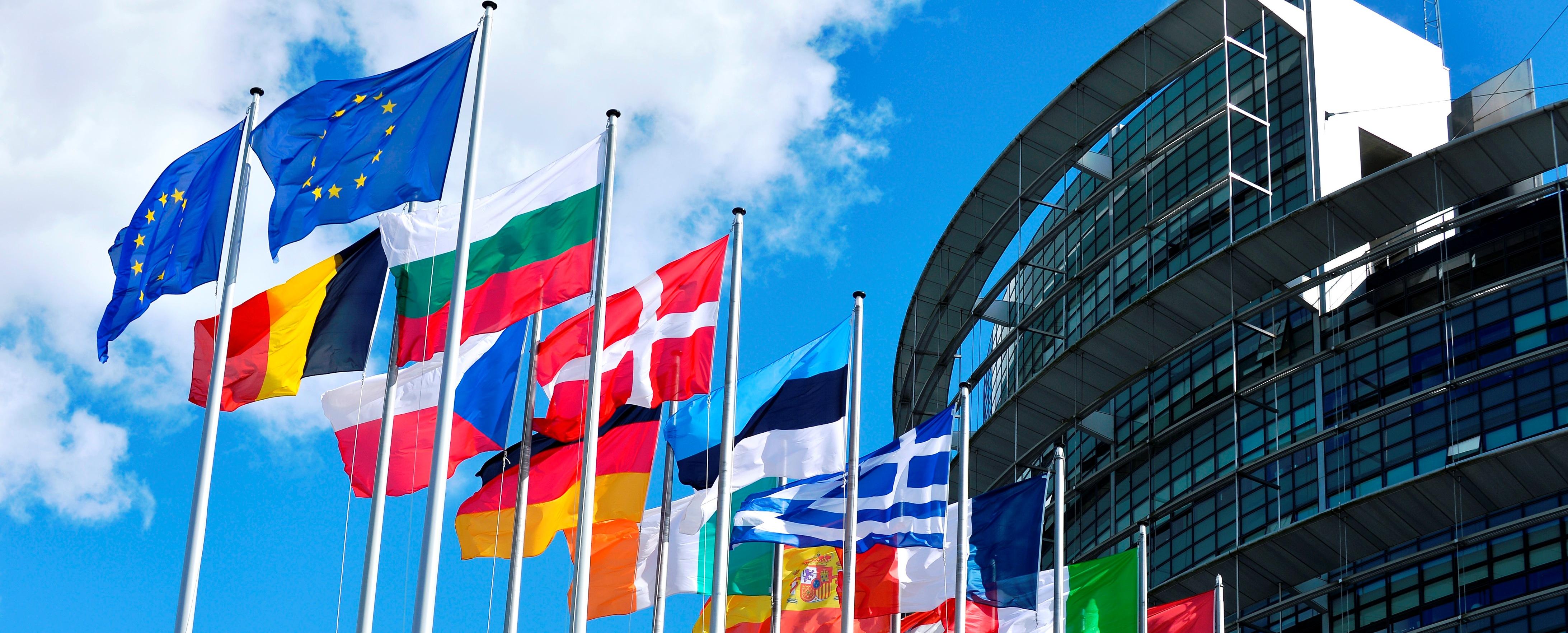509cfbcd6b4d ... les peuples européens affichent leur volonté de consolider la paix, et  de s'entraider, afin d'éviter de nouvelles crises économiques  catastrophiques.