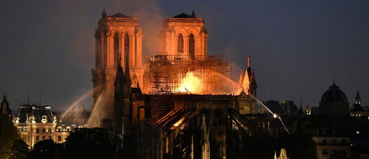Notre-Dame de Paris : dramatique incendie d'un monument chargé d'histoire